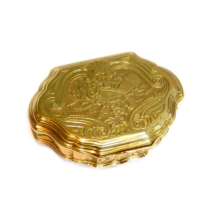 Louis XV gold cartouche shaped box