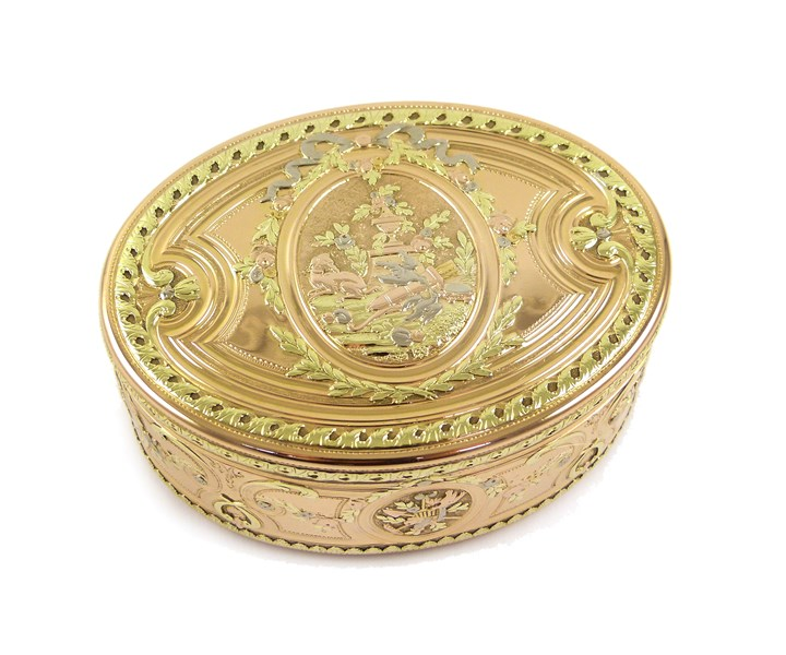 Louis XV oval four colour gold box with allegorical reserves