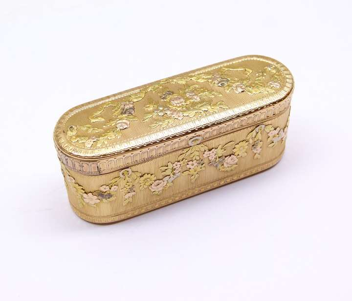Louis XV vari-coloured oblong gold box