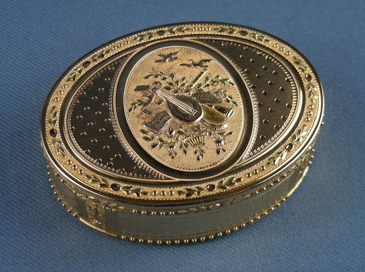 Louis XVI coloured gold oval box
