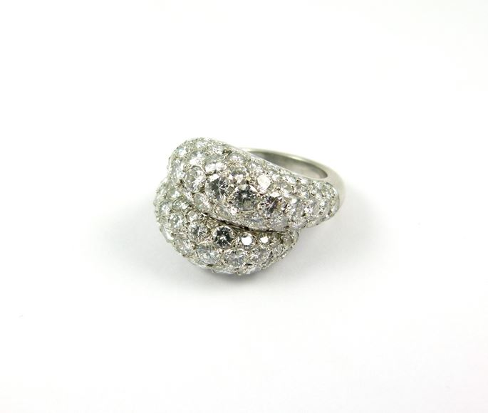 Van Cleef & Arpels - Mid 20th century pave diamond crossover cluster ring | MasterArt