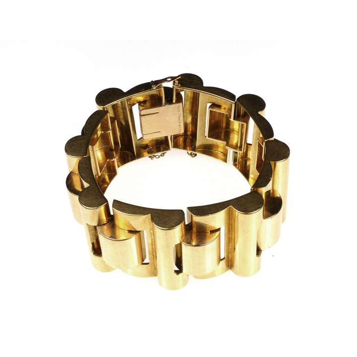 Mid-20th century retro gold articulated tank bracelet