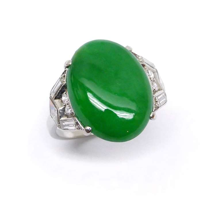 Oval cabochon jade and diamond ring