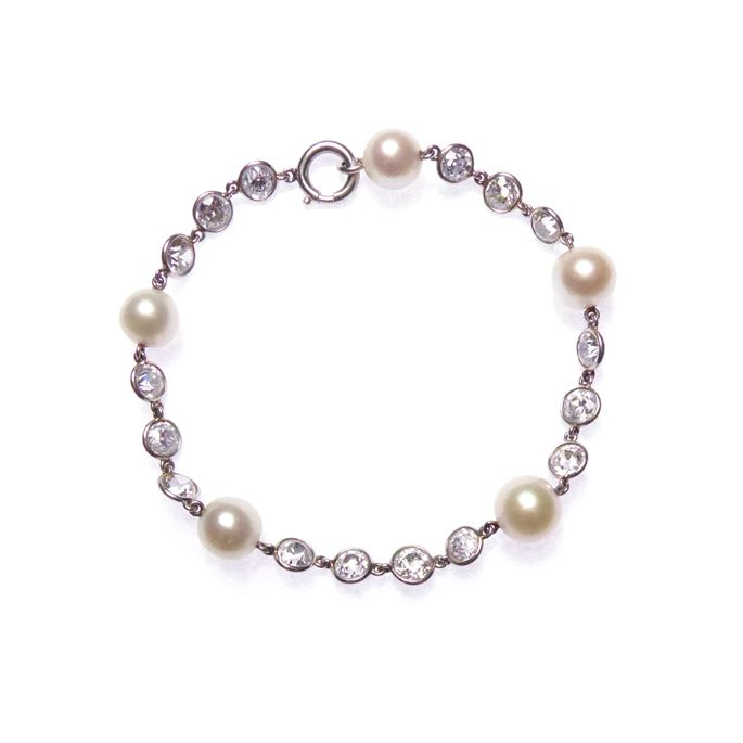Pearl, diamond and platinum chain bracelet | MasterArt