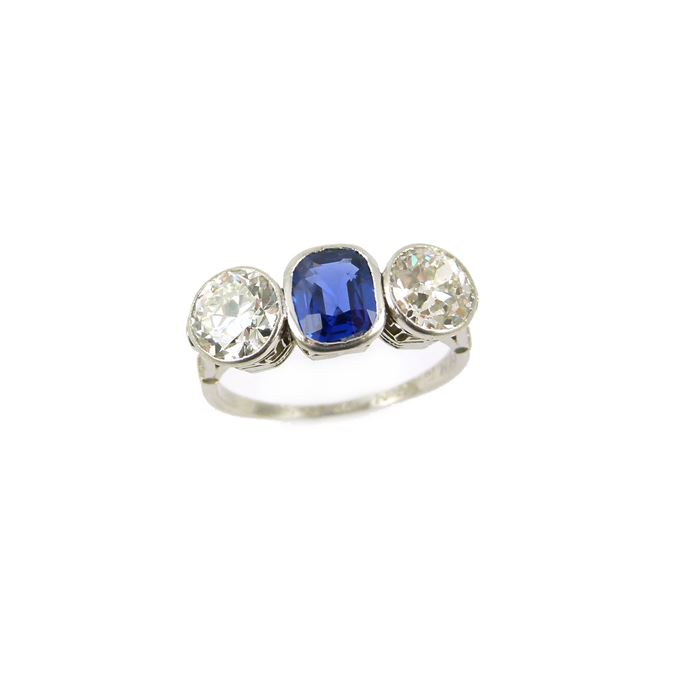 Sapphire and diamond three stone ring | MasterArt