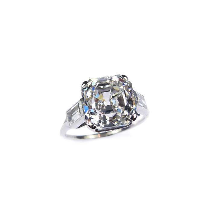 Single stone Asscher cut diamond ring, 6.08ct, E VVS2