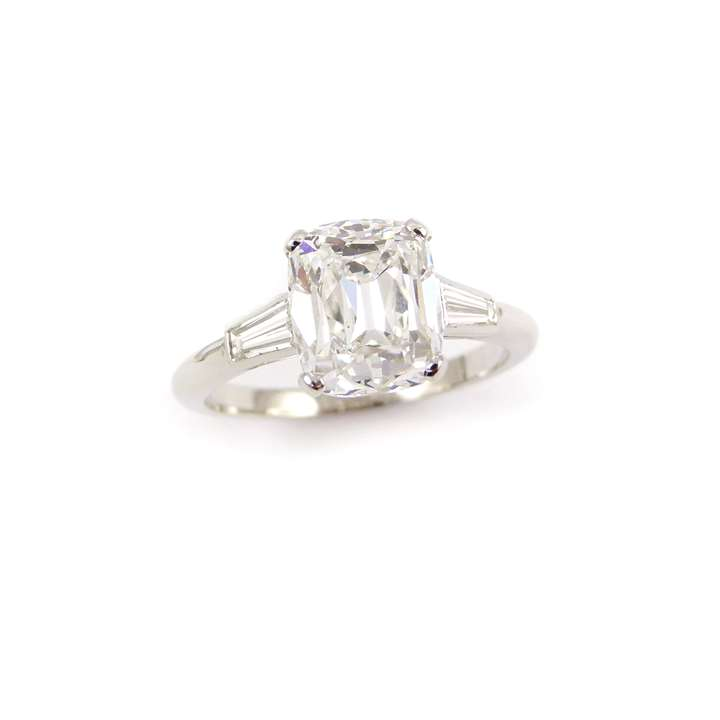 Single stone cushion cut diamond 3.03ct, E VS2,