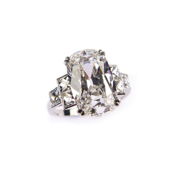 Single stone cushion cut diamond ring, the 4.17ct G VS2 stone claw set