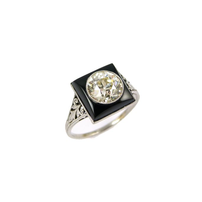 Single stone diamond and onyx ring | MasterArt