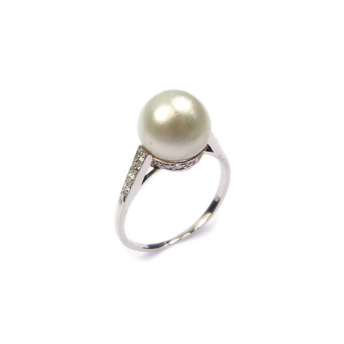 Cartier - Single stone pearl and diamond ring | MasterArt