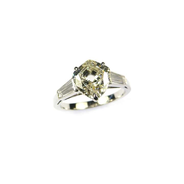 Single stone shield shaped diamond ring