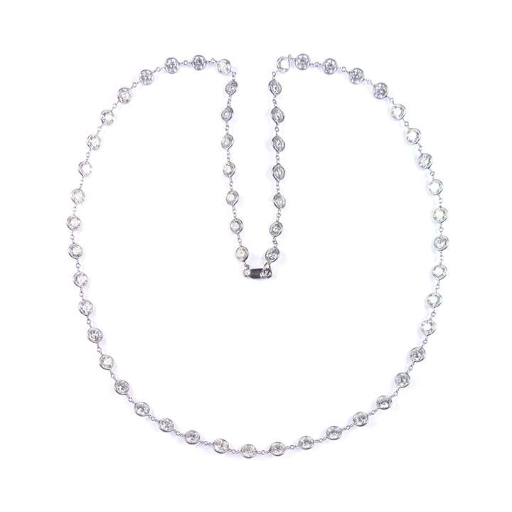 Spectacle set diamond necklace