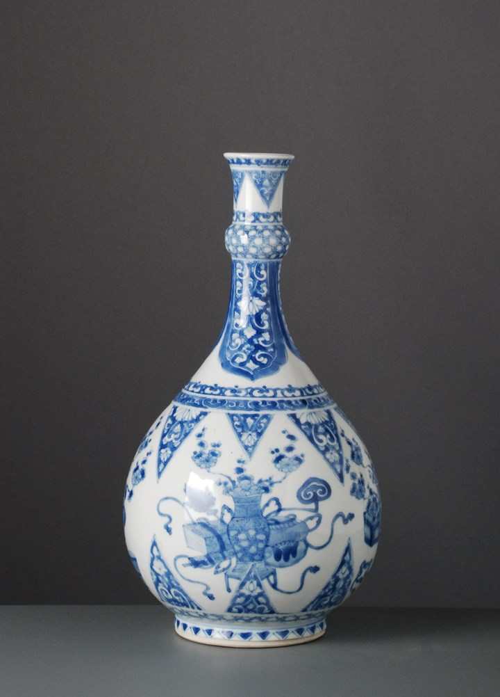 Blue & White Bottle Vase - Kangxi period