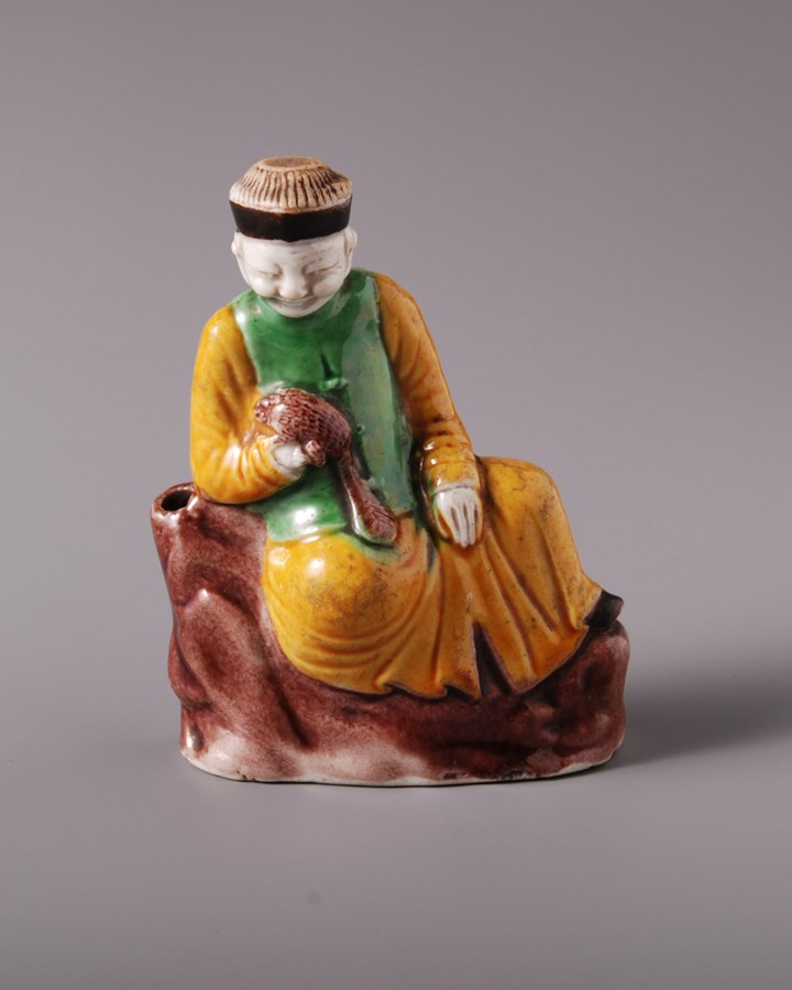 Famille Verte Waterdropper Man with Squirrel - Kangxi period